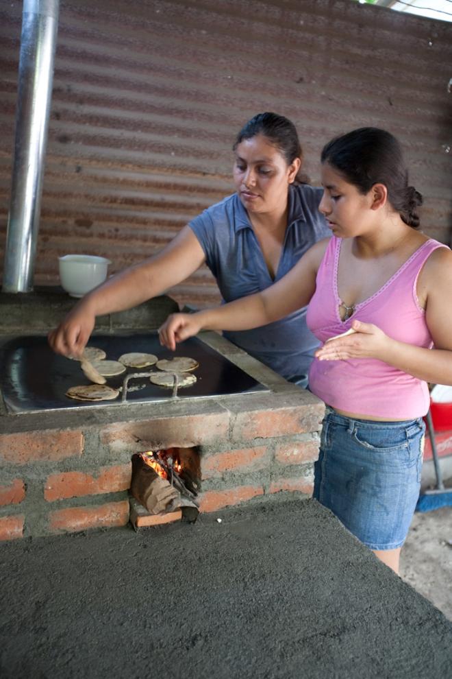 Guatemala Justa clean cookstove