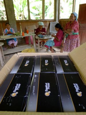 barefoot power solar lights_Honduras