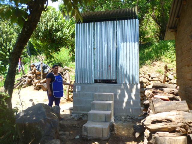 dry composting latrines El Salvador