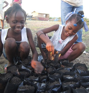 Kids planting trees_Haiti